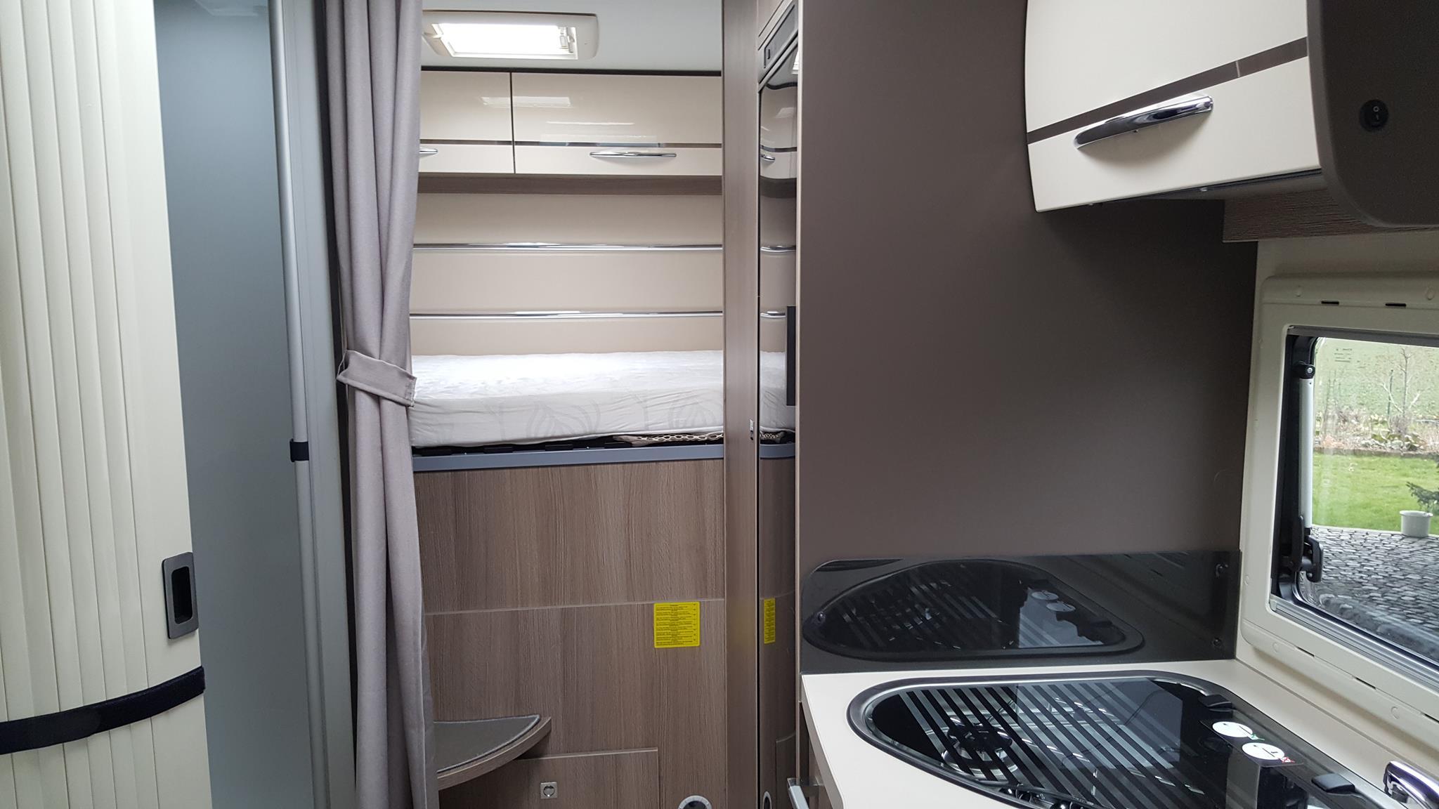 Doppelbett über der Garage