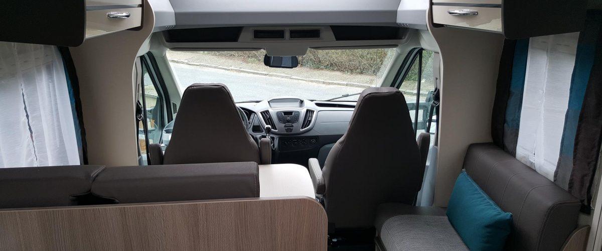 Sitzgruppe und Cockpit